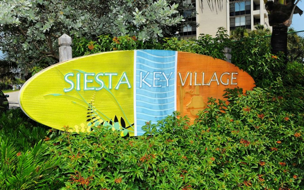 9960-102-siesta-village-sign-1024x640