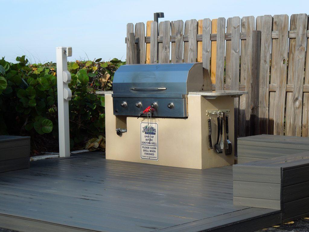 Beach-BBQ-grill-1024x768